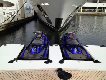 Inflatable jet ski dock 300 x 500cm